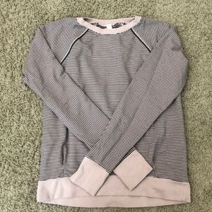 Lululemon fitted pullover